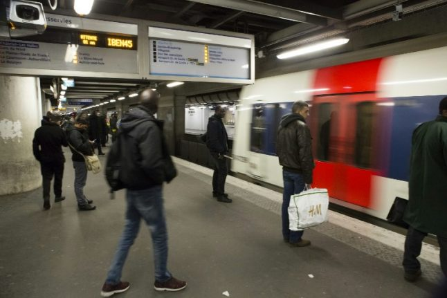 Baby born on the RER train in Paris: What actually happened?