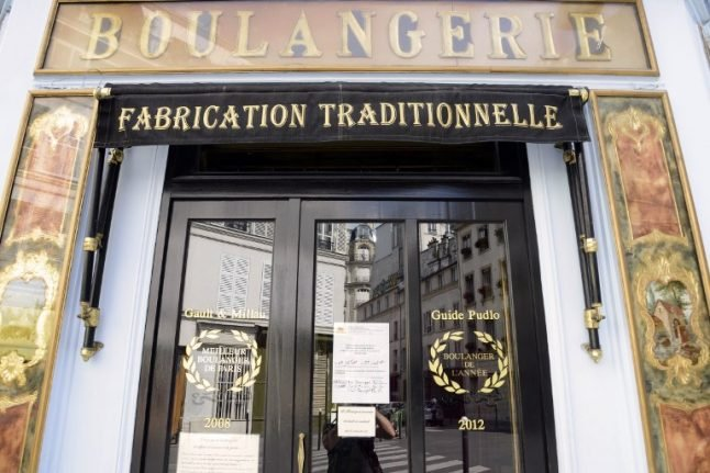 Why does Paris have so many independent shops?