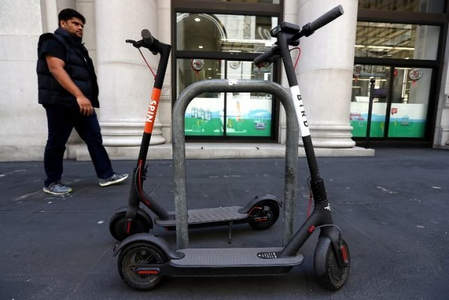 Paris set to roll out new electric scooter sharing scheme