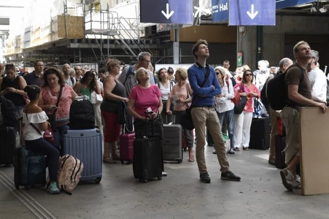 Key Paris train station powers back up after days of rail chaos