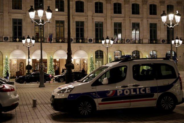 'Hotel rats': Paris tourists warned about thieves who prey on guests