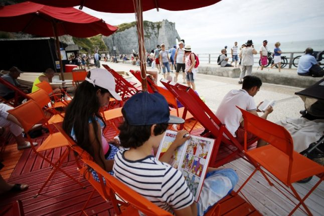 French beaches open pop-up summer libraries