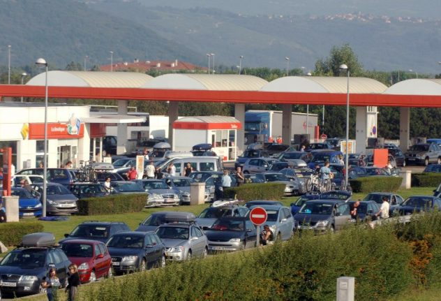 French couple warn of service station scam after being conned by 'British family'