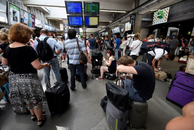 Montparnasse: Rail chaos to continue at Paris station on Monday