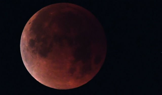 Eclipse: What you need to know to catch Friday's blood moon in France
