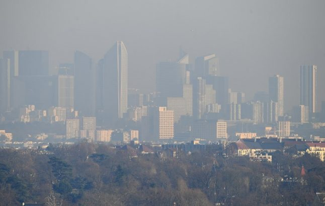 Paris pollution: 'Like smoking 183 cigarettes a year'