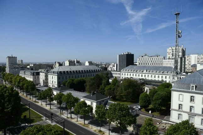 Fleeing the police, man takes refuge at French spy HQ