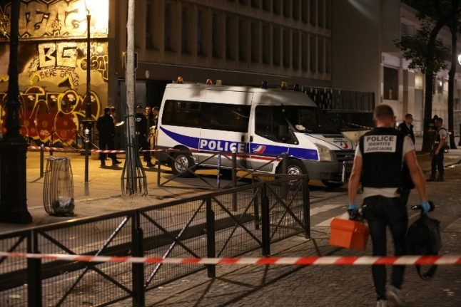 Paris knife attack:  Seven wounded including two British tourists