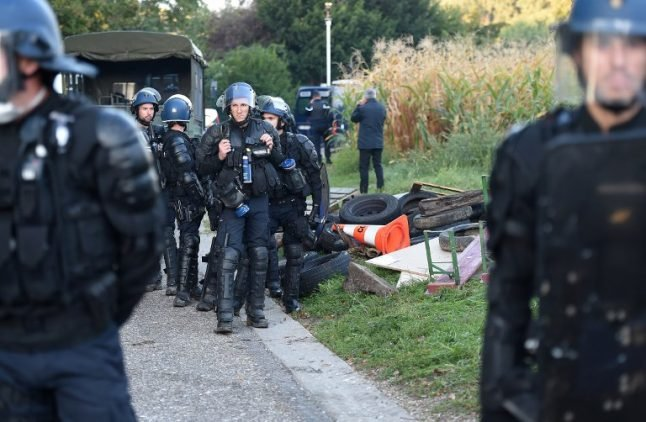 French police use tear gas on protesters opposed to new motorway