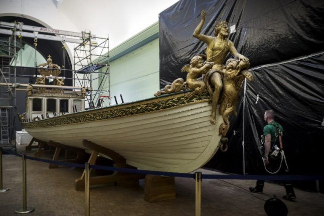 Napoleon's imperial barge moves to Brittany coast