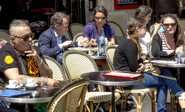 Readers' views: Why it's time to ban smoking on cafe terraces in France