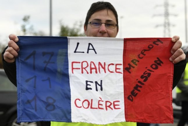 'Yellow vests': 80 percent of French people consider Macron's measures 'insufficient'