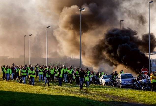 OPINION: Macron beware, France's 'yellow vest' rebels will not retreat easily