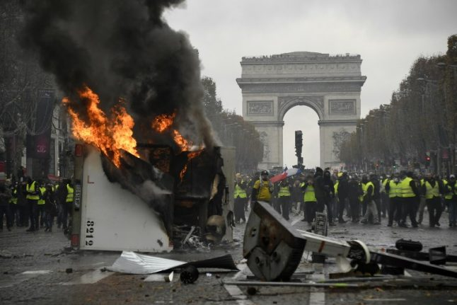 Yellow vest protests: Champs-Elysées set for Saturday lockdown over violence fears