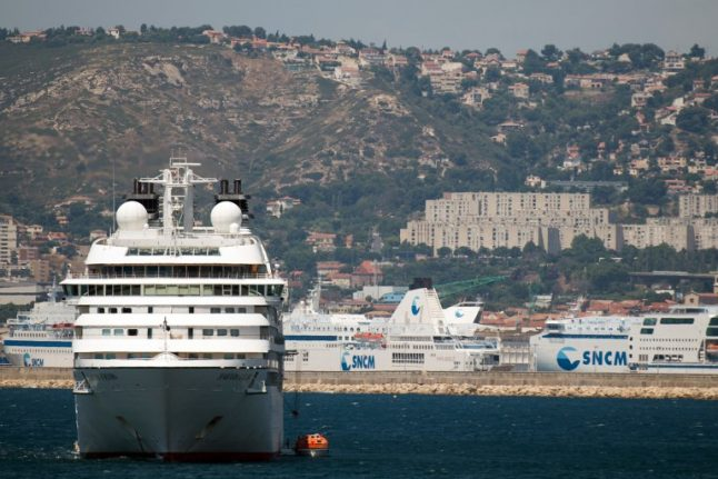 France hits American cruise ship captain with €100,000 fine for air pollution