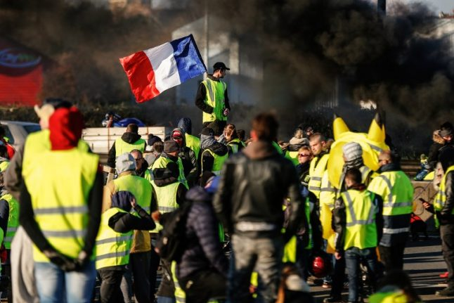 'Stay calm': Advice for drivers in France caught in the 'yellow vest' road blocks