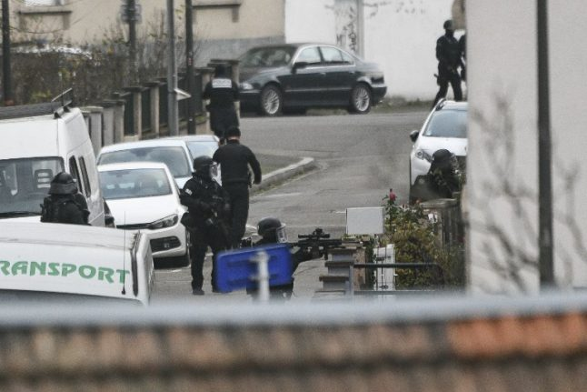 French police launch operation in Strasbourg in hunt for Christmas market gunman