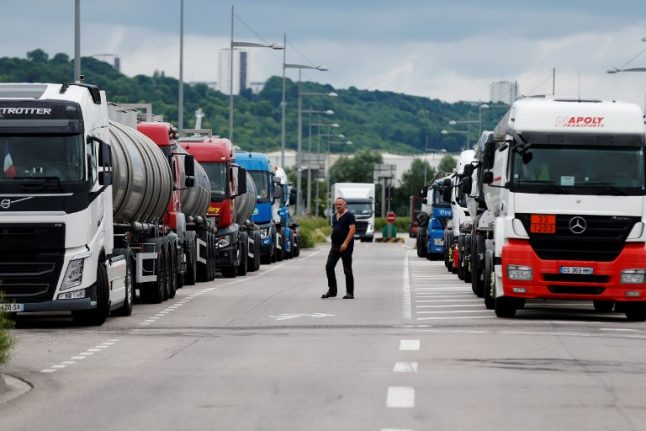 French trucking unions call off planned strike