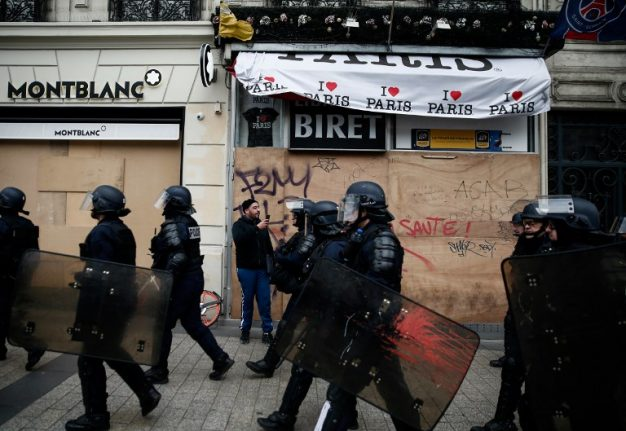 'Everything's closed': Violent protests are an 'economic catastrophe' for France'