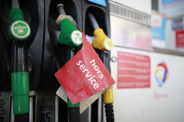 Petrol shortages hit Brittany as 'yellow vests' block fuel depots