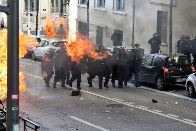 UPDATED: France to deploy 89,000 police officers to maintain order on Saturday