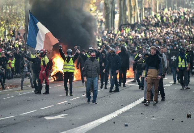 Over 1,700 arrested in Saturday's 'yellow vest' protests in France