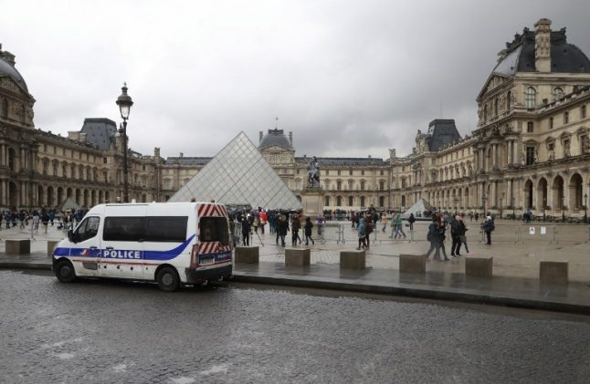 Louvre and Eiffel Tower to close as Paris readies for 'significant violence'