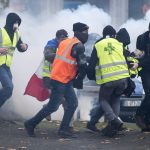 France's 'yellow vests' block borders ahead of Christmas