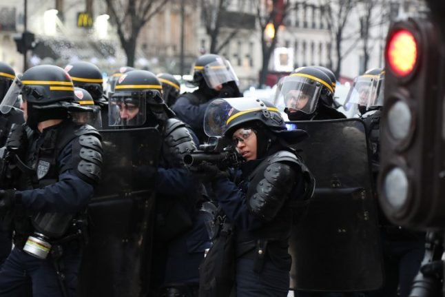 Riot control guns: What's all the fuss about Flash Balls in France?