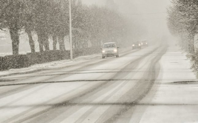 Five key tips for driving in the snow and ice in France