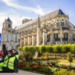 Town at the centre of France braces for 'yellow vest' invasion