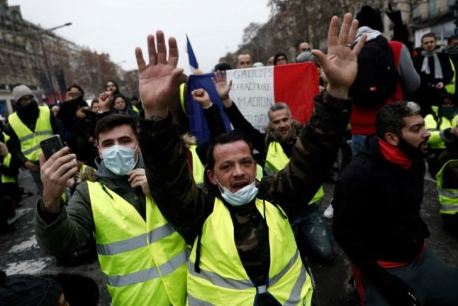 'Yellow vest' leader Eric Drouet arrested on his way to Champs-Elysees protest