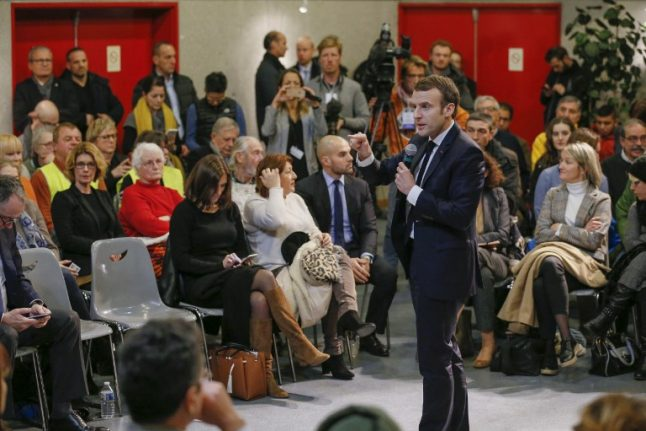 French debates rally Macron's supporters but rebels hold out