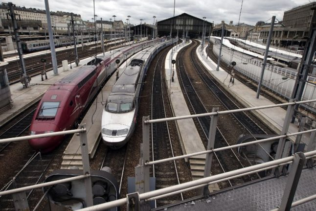 Paris trains stopped during 'controlled explosion' of WW2 bomb