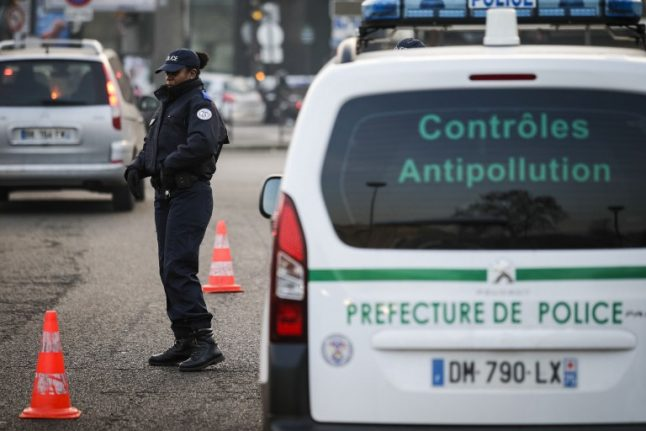 Pollution spike prompts car ban in Paris and speed limit cut around France