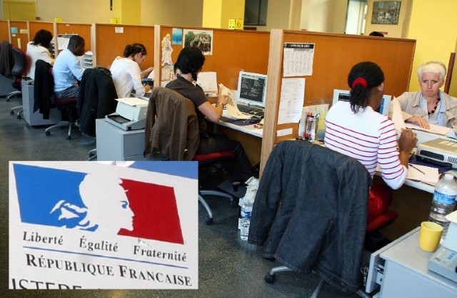 'We can't process them': Britons in France face new confusion over bids to secure futures