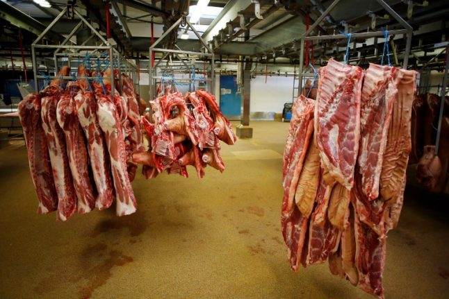 France hunts for 800kg of suspect beef from sick cows