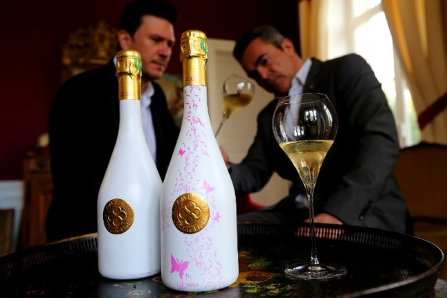 French winemaker introduces colour-changing Champagne bottle