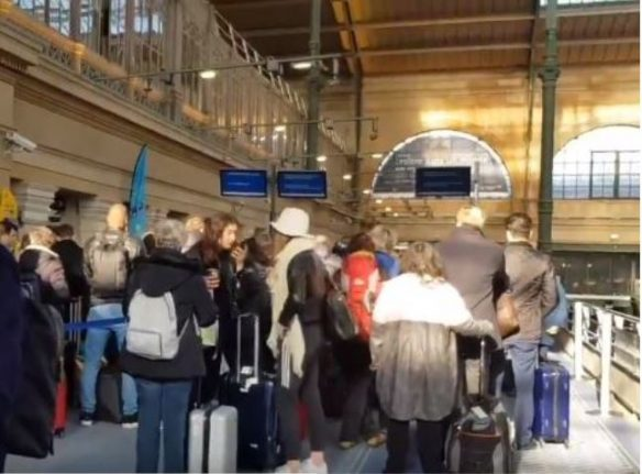 Eurostar LATEST: No end date in sight for French customs protest