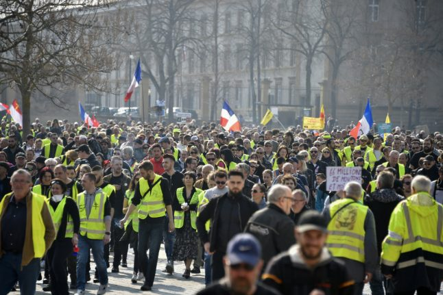 French government counts 8,300 'yellow vests' in latest protests