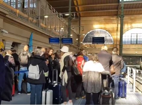 Eurostar UPDATE: Gare du Nord queues ease but confusion surrounds French customs protest