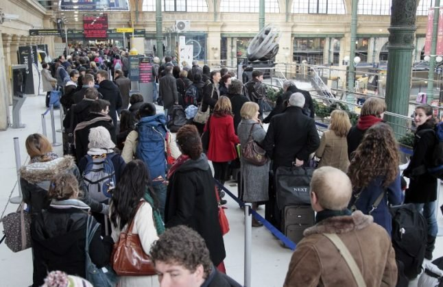 Eurostar passengers in Paris and drivers in Calais hit by more travel chaos