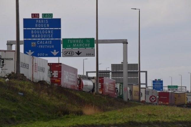 Major disruption at Calais as French customs officers continue Brexit protest