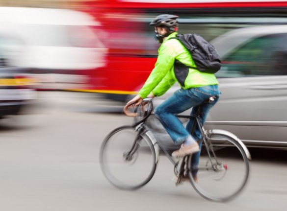 How to avoid being hit with fine when cycling in French cities