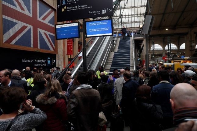 Eurostar in Paris tells passengers 'not to travel' due to French customs protest