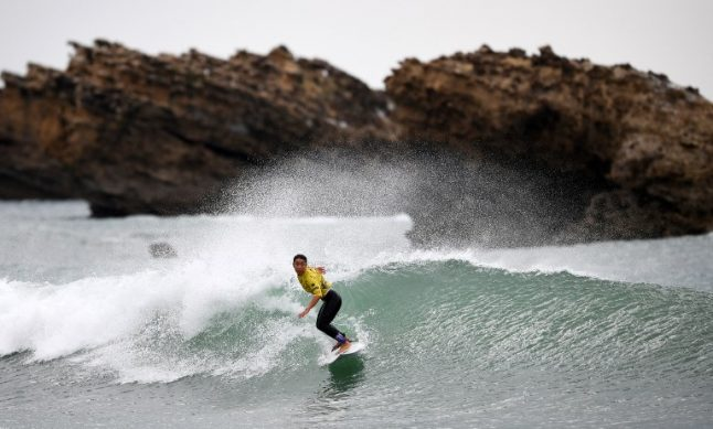 Paris suburb 175km from sea bids to host surfing at Olympics