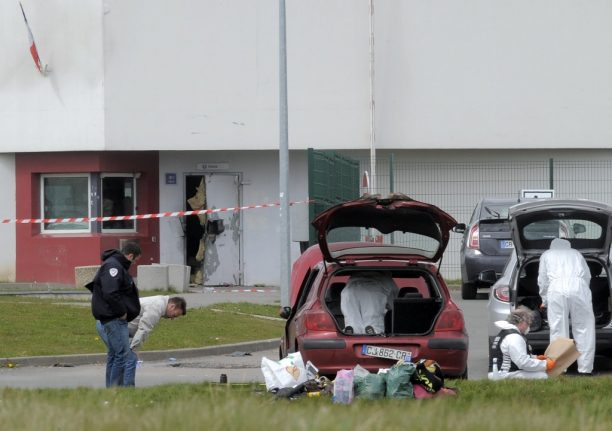 'Hostage' helicopter pilot and daughter held over French gangster's prison escape