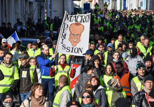 'Yellow vest' demos will continue throughout April, but what's scheduled for this weekend?