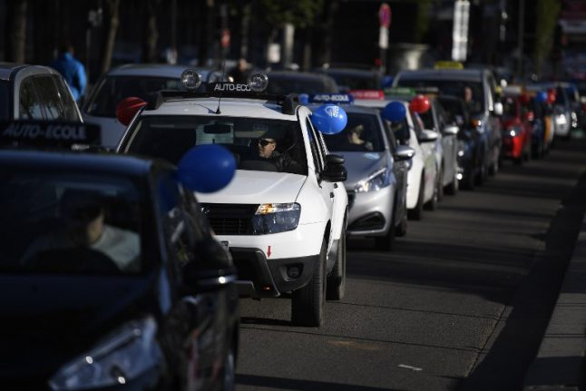 Paris ring road the scene of 'go slow' protests by French driving instructors