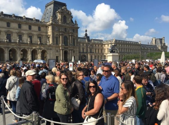 Louvre reopens after strike action, but only to people with pre-paid tickets